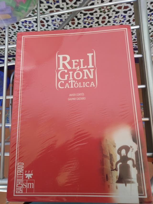 Libro de Religión Católica de 1°bachillerato