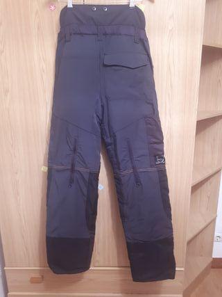 se venden pantalones anticorte de sthil