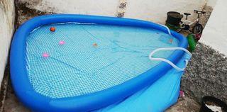 se vende piscina con depuradora