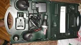 destornillador percutor eléctrico