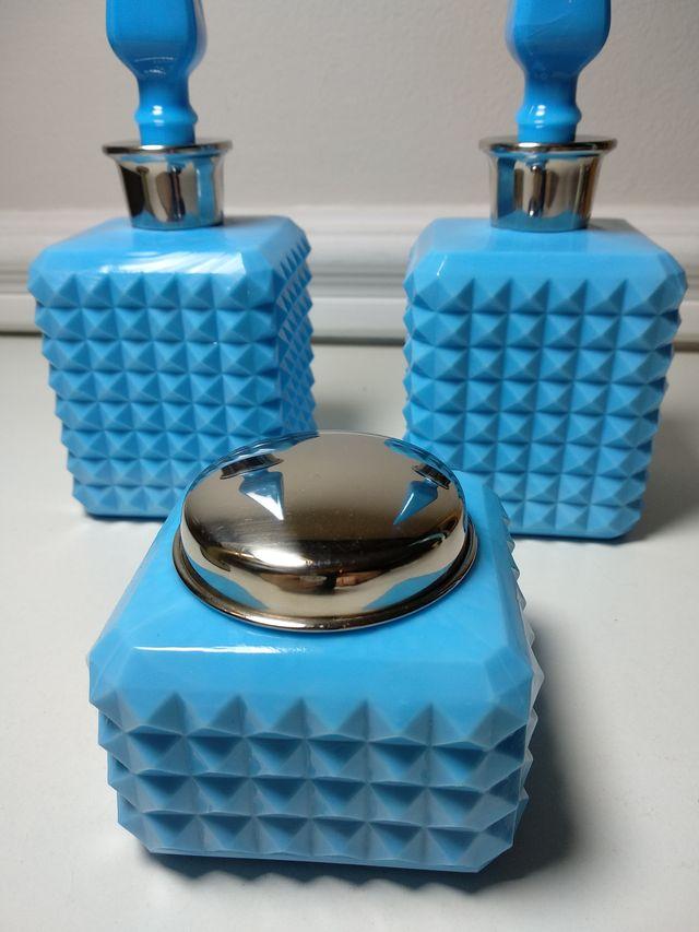 Juego de tocador de opalina azul