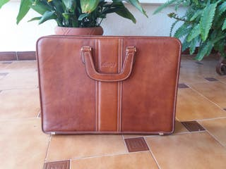 maletín de piel marca Olimpo