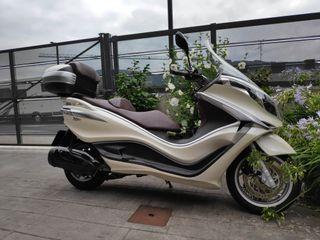 se vende Piaggio X10 350cc