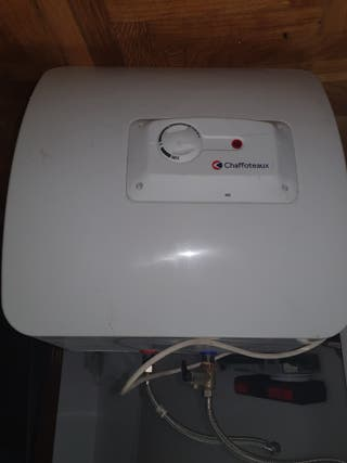 calentador electrico de agua .30 Litros.4 meses de