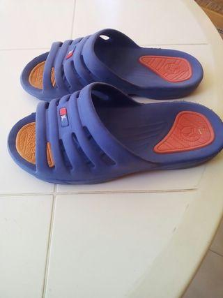 Zapatillas chanclas piscina playa N 37, Nuevas