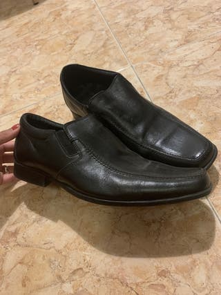 2a5e51dd Zapatos para hombre de segunda mano en Madrid en WALLAPOP