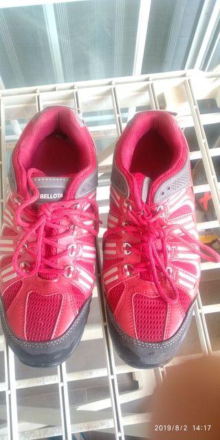 Se venden zapatos seguridad