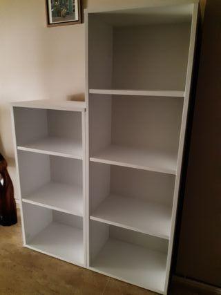 Librería madera blanca