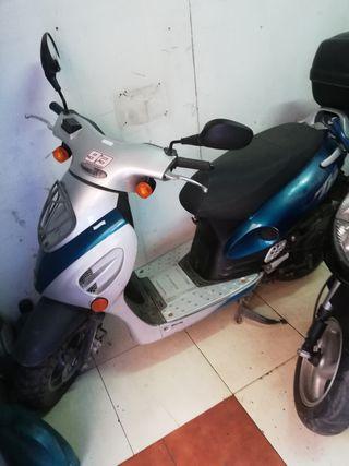 scooter kymco topvoy 49