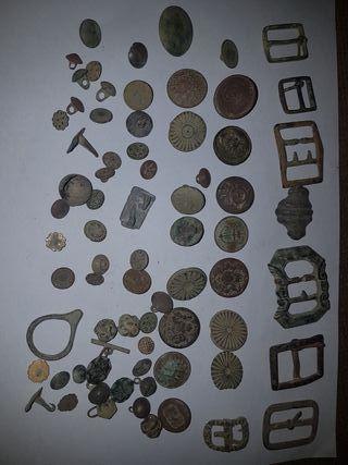 botones y hebillas antiguas militares