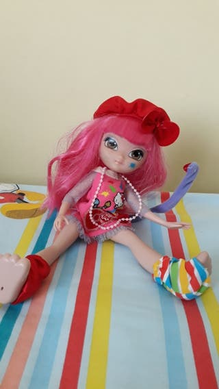 muñeca articulada hello kitty