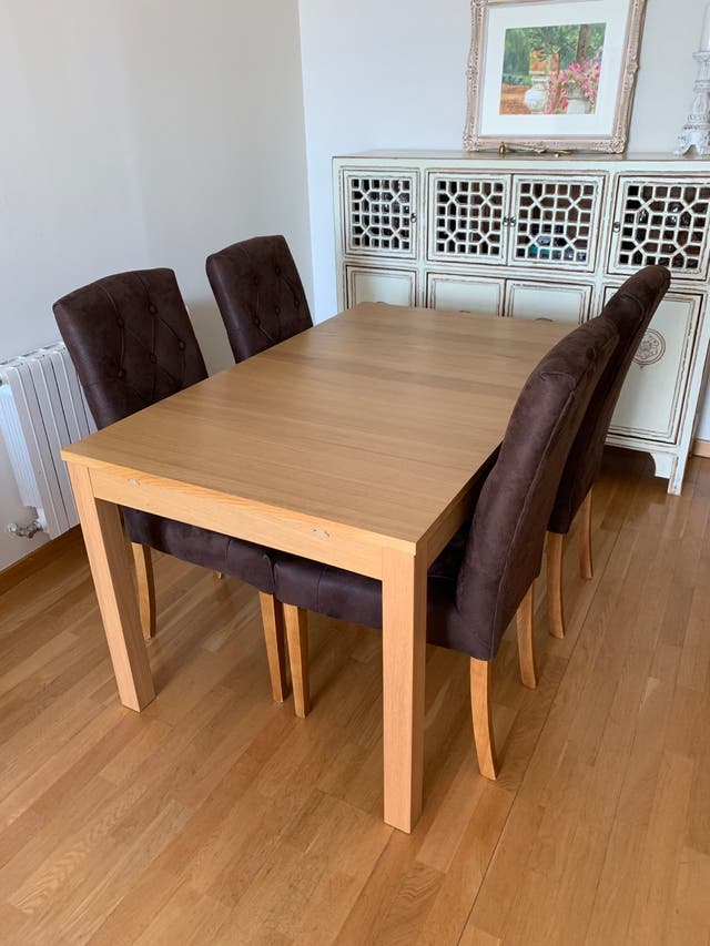 Oportunidad!!Conjunto de mesa y sillas de comedor.