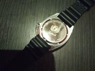 Reloj diver 200m quartz UNICEF