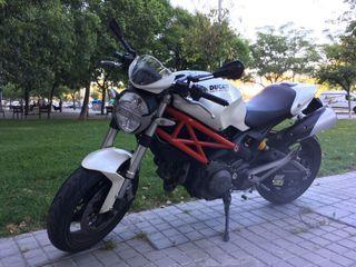 Ducati Monster 696 (A2)
