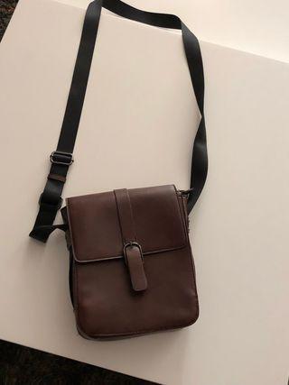 Bolso hombre marrón con cremallera (sin uso)