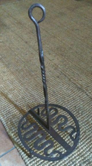 Parrilla antigua hierro forjado