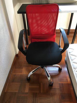 Sillas de oficina de segunda mano en Pamplona en WALLAPOP