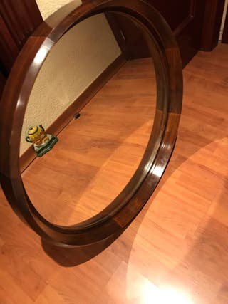 Espejo con marco redondo