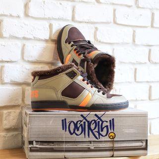 Osiris skate shoes NYC 83 Mid SHR 42