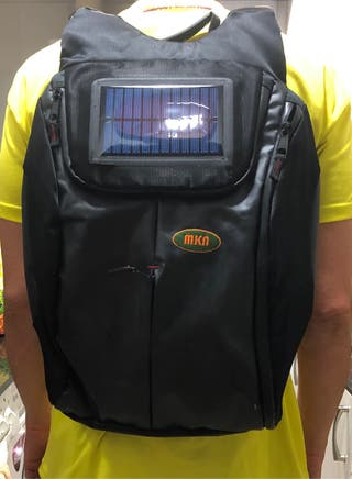 Mochilas nuevas con mini cargador solar y pwr bank