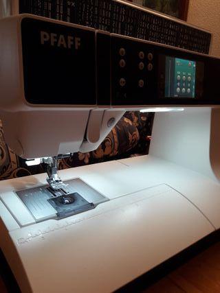 Máquina de Coser PFAFF PERFORMANCE 5.2