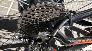 Bicicleta eléctrica convertida scott aspect 915