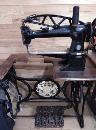 Maquina de coser piel