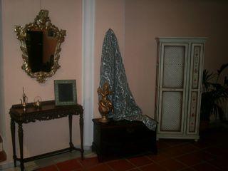 Consola años 50 y espejo estilo Isabelino
