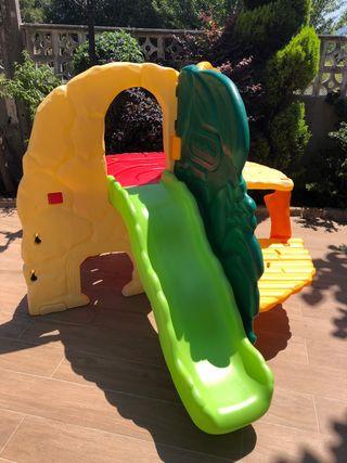 Parque infantil interior y exterior