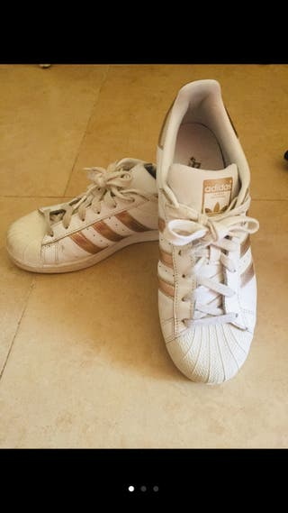 Adidas Mano En De Segunda Provincia Rosas Zapatillas Málaga La SqUzpMVG