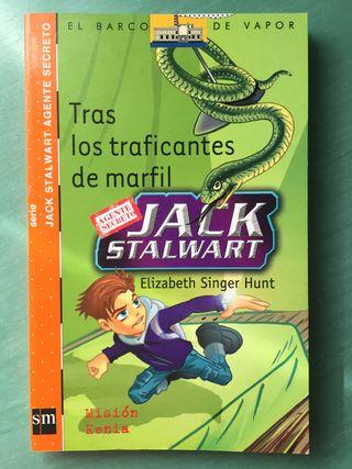 Libro infantil: Tras los traficantes de marfil