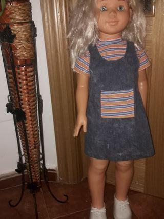 muñeca tipo Rosaura nueva sin uso