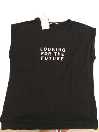 Camiseta sin estrenar, con etiqueta.