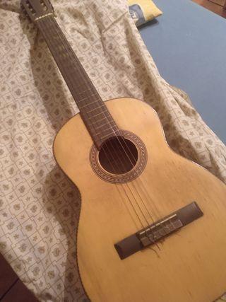 Guitarra no profesional
