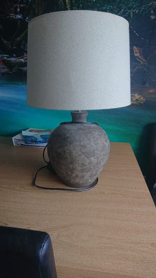large pot table lamp