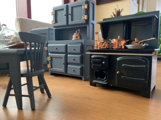 Muebles cocina + accesorios casa de muñecas de segunda mano ...