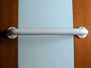 Toallero barra IKEA color blanco