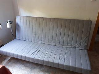 Sofá convertible en cama de 140x200cm. Estructura