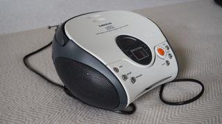 Reproductor de CD y radio