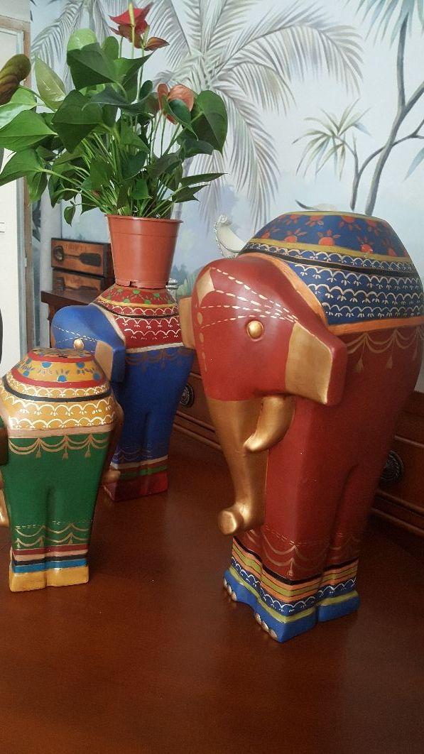 Trio elefantes pintados a mano