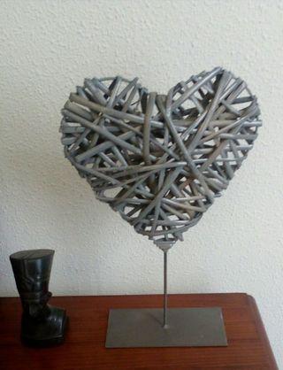 figura corazón hierro HOY 7€