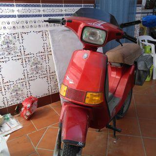 vendo ciclomotor marca vespa modelo delta del año