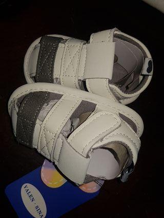 zapato tipo sandalias bebe Nuevas