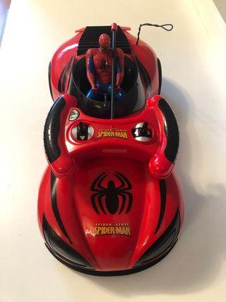 Coche teledirigido Spiderman MARVEL