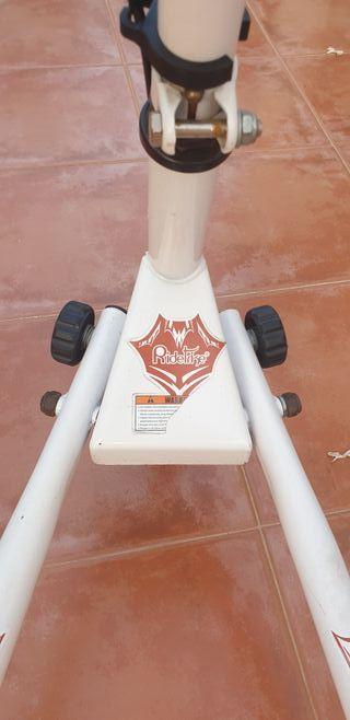 patinete de tres ruedas