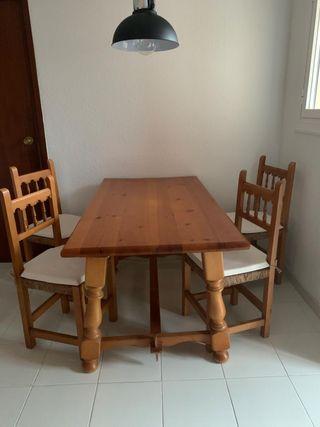 Mesa comedor con sillas de segunda mano en La Papiola en ...