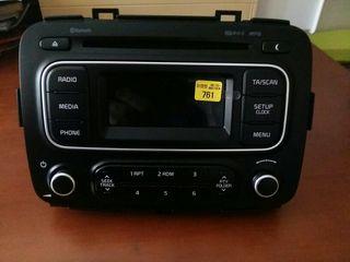 Radio CD coche KIA Carens 2015 - Nueva