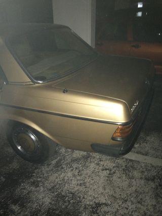 Mercedes-Benz W123 300 D 1980