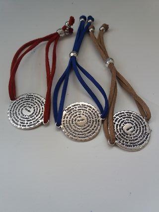 pulseras o colgantes con medalla padrenuestro