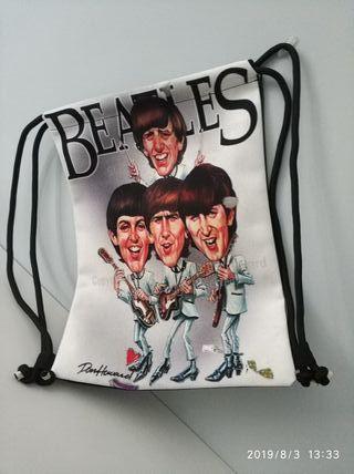 Bolsa mochila, a estrenar, de los Beatles